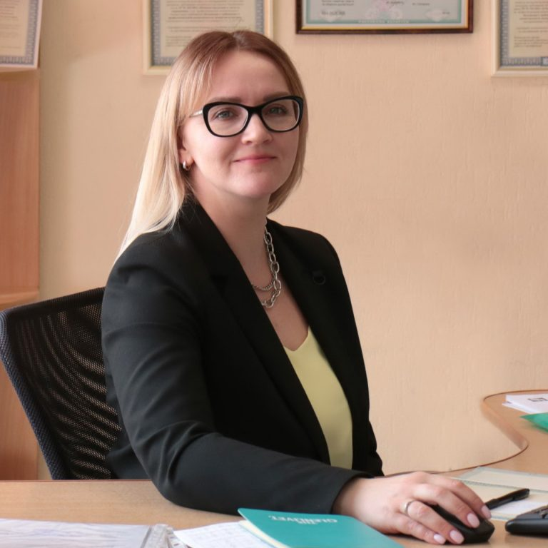 Ловкис Елена